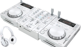 Pioneer dj set - white