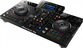 Pioneer XDJ-RX2 All in-one dj systeem